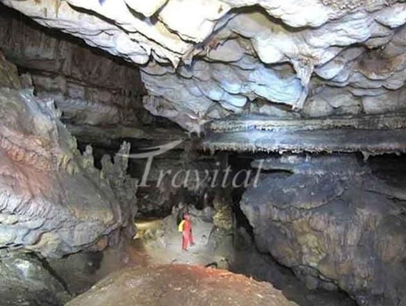 Sooleh Khoonzab Cave – Arak