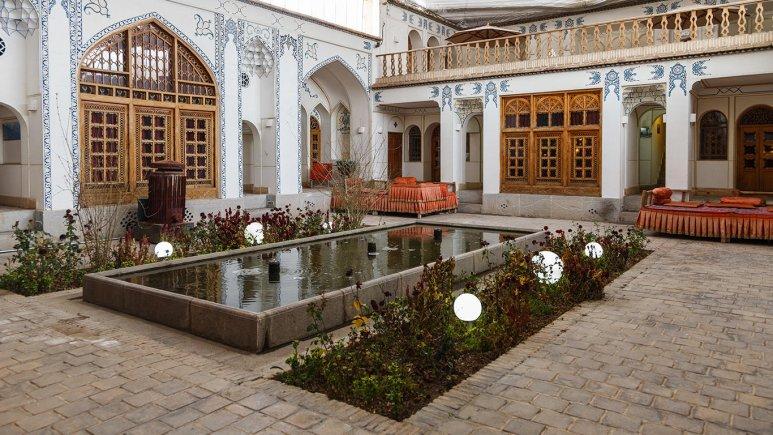 Sonnati hotel in Isfahan