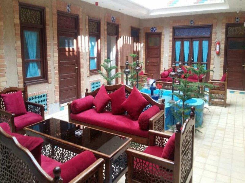 Saray e Ordibehesht hotel