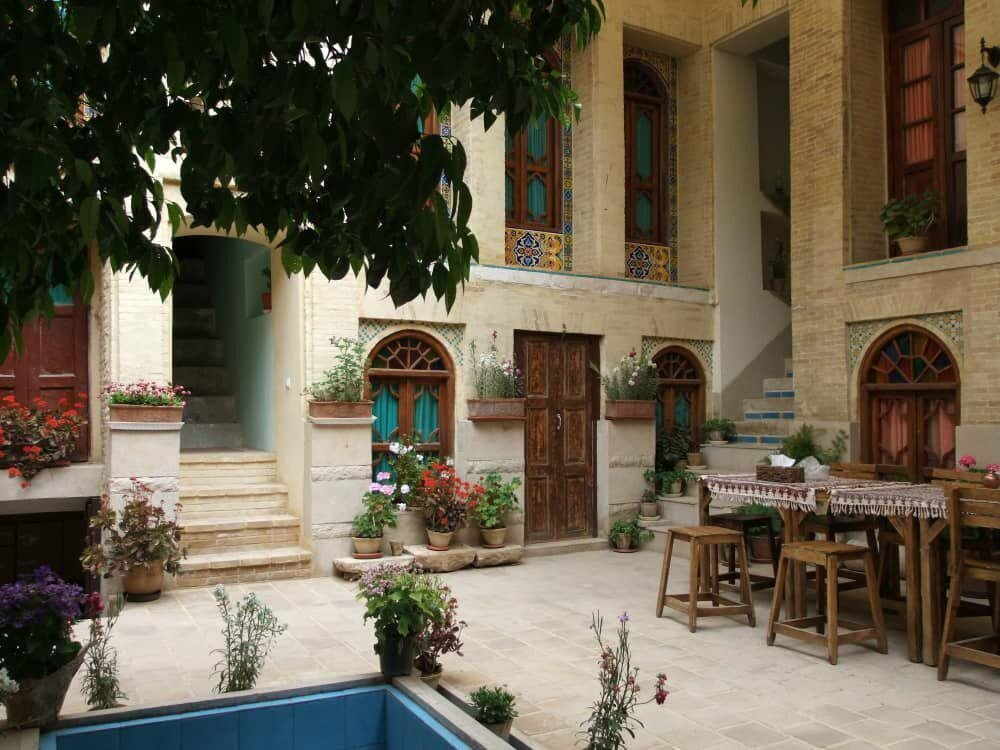 Lotoos residence